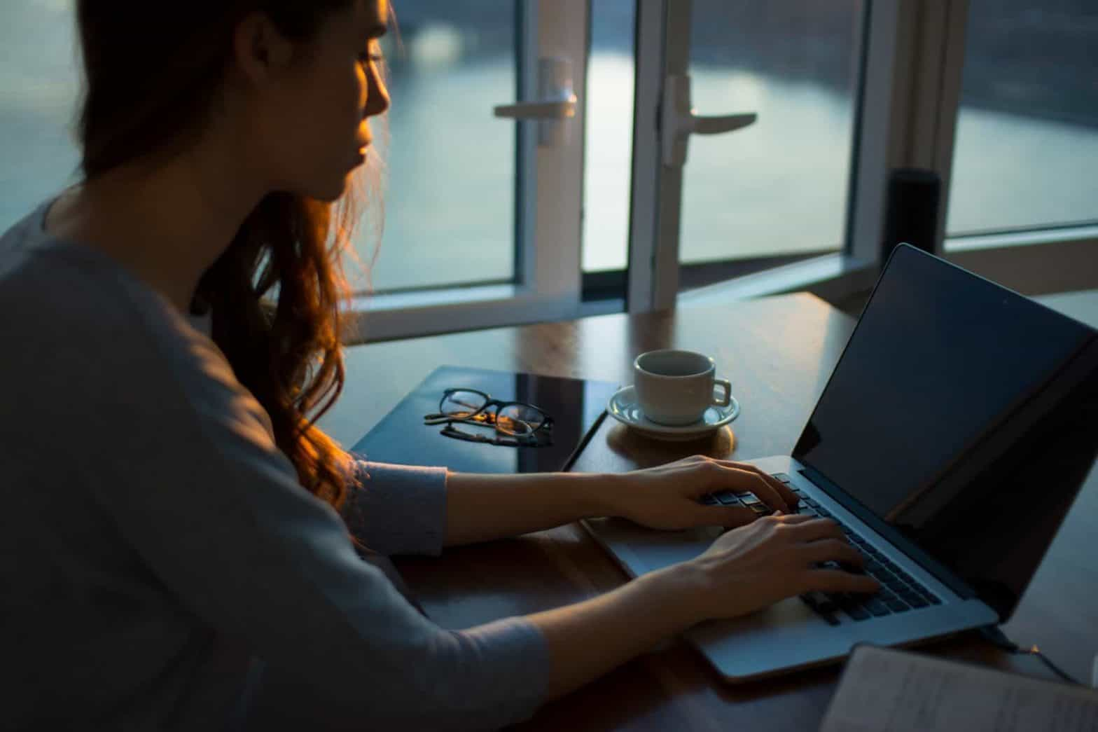 How To Become A Virtual Assistant In The UK